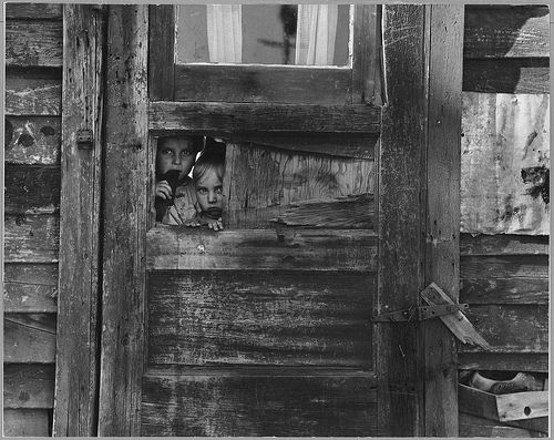 Children Living in a Camp Between Weedpatch and Lamont, Kern County, California    Photographer: Lange, Dorothea, 1895-1965