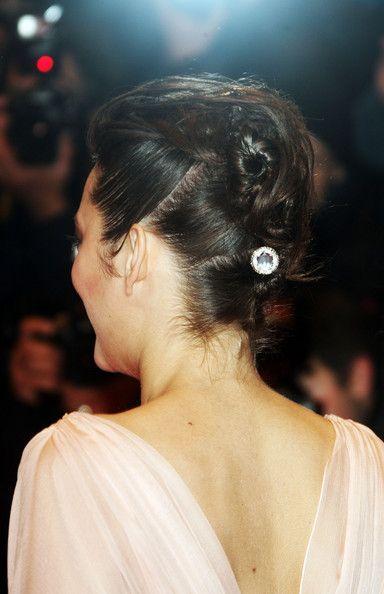 Marion Cotillard Twisted Bun - Marion Cotillard wore a punky twisted bun to the 'La Vie en Rose' premiere.