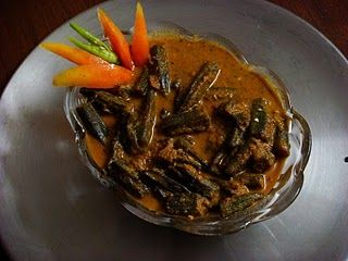 In Bihar Okra is mostly prepared as a gravied vegetable and served for lunch or dinner. If the Okra is cooked without water then its called...