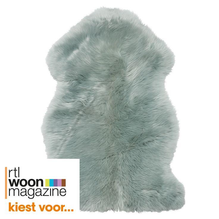 Zacht schapenvacht groen. 100% wol voorkant en 100% leder achterkant. 45x85 cm (bxl). #kwantum #vloerkleed #schapenvacht #wol