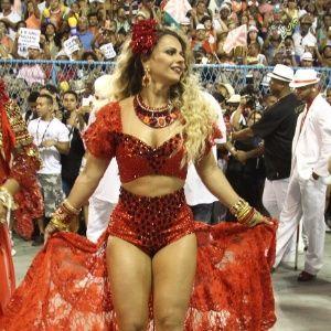 Fantasia de Viviane Araújo no Salgueiro divide opiniões na web - Entretenimento - BOL Notícias