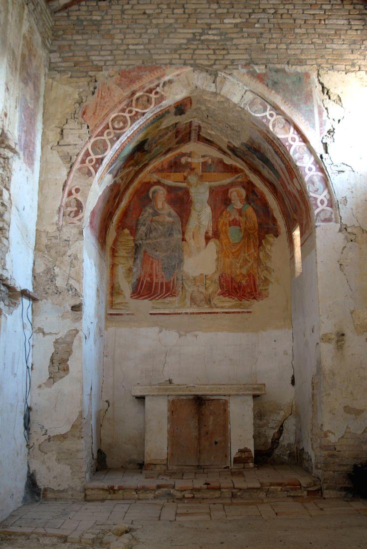 Frazione S. Procolo antica Chiesa di S. Procolo interni affrescati #marcafermana #montevidoncombatte #fermo #marche