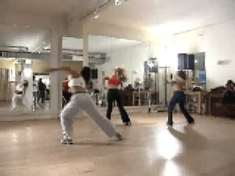 Brit rehearsing choreo for Baby One More Time