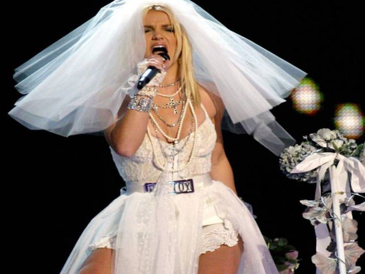 80s And 90s Wedding Dresses: 10 Ugliest Celebrity Wedding ...