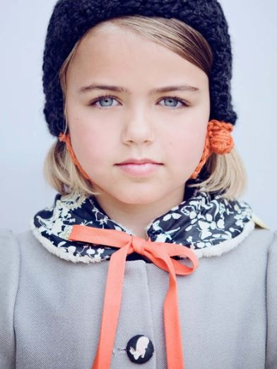 cutie pieColors Combos, Kids Style, Blue Gardens, Colors Schemes, Children Clothing, Dark Blue, Coats, Vintage Clothing, Style Fashion