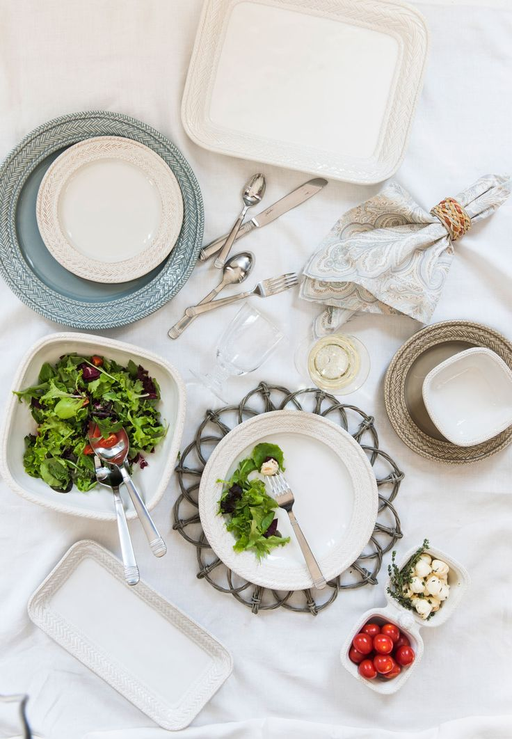 Weathered to perfect imperfection, our Le Panier ceramics pair beautifully with pieces of natural Waveney Wicker. The result? A rustic yet refined setting that will take you from Spring through Summer and into Autumn entertaining.
