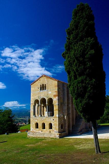 Santa Maria del Naranco Oviedo Asturias Prerománico