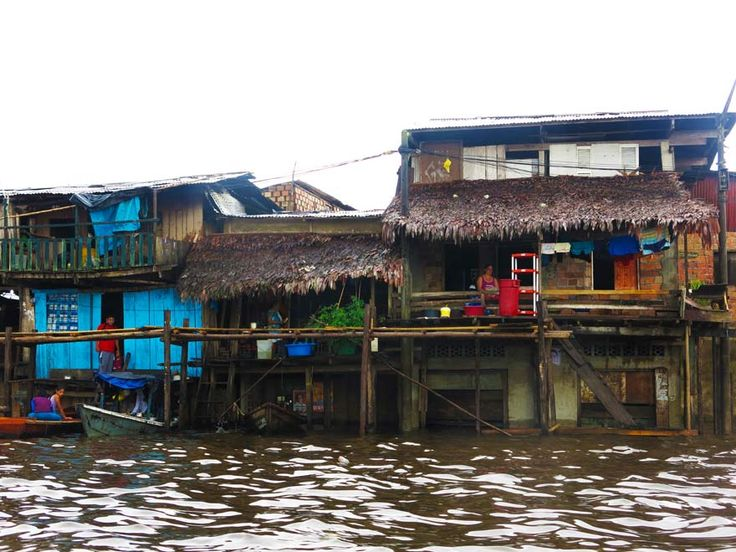 Belen-Floating-Vilage-Homes-Iquitos-Amazon-Peru---The-Borderless-Project