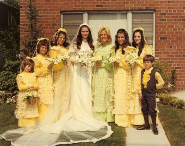 1970s wedding dresses yellow Funny Wedding Pictures Bad Wedding Photos Ugly Wedding Dresses Fail Horrible Awkward Family worst strange Brides