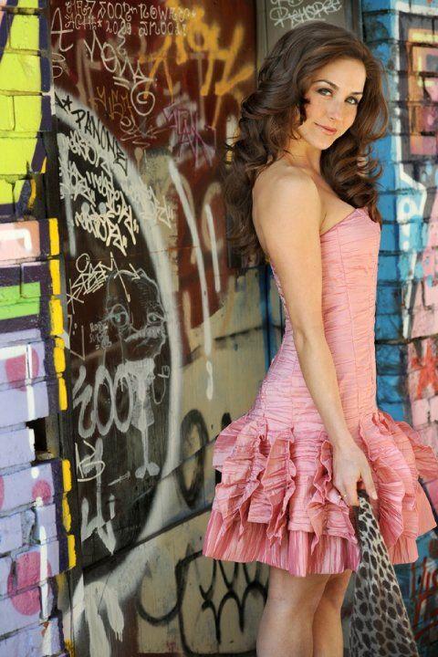 Pictures & Photos of Erin Karpluk - IMDb