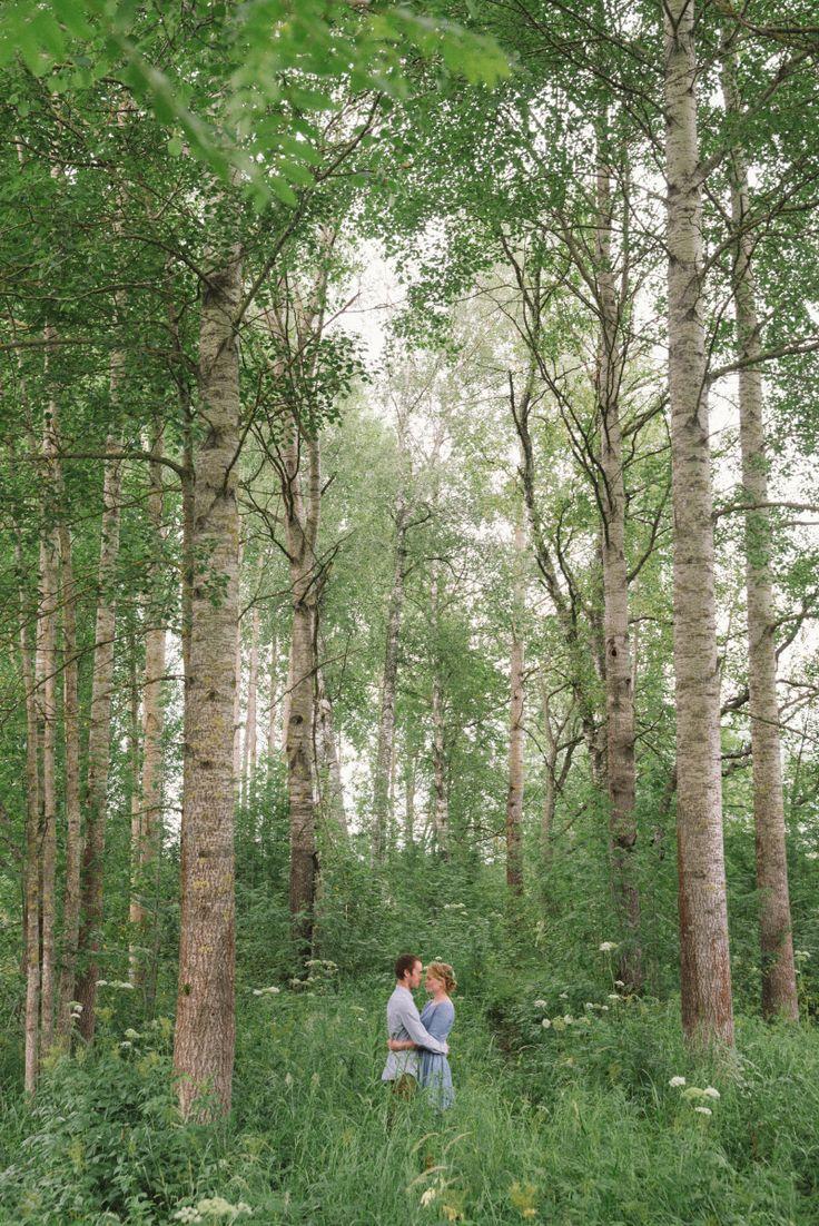 Romantic and intimate summer engagement  Julia Lillqvist | Johanna and Simon | http://julialillqvist.com
