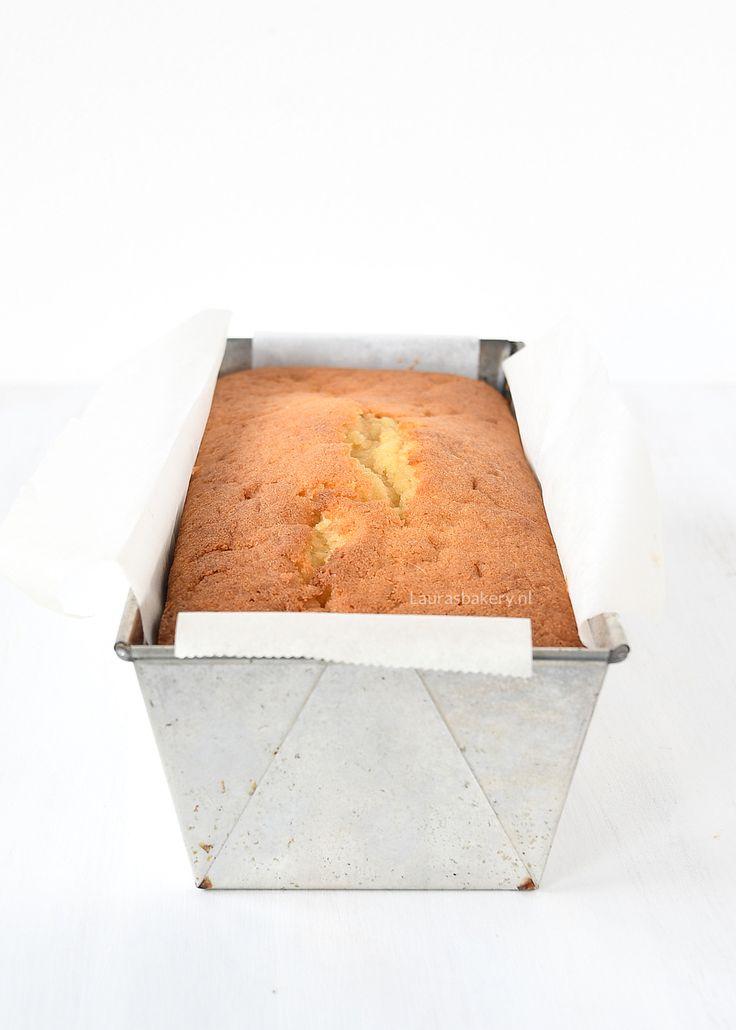 Deze smeuïge citroencake is verrukkelijk. Met het grootste gemak zet jij zelf deze cake op tafel, klaar om te smullen. Hier vind je het recept!