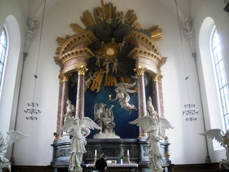 Pendule de la création du monde inside Church of Our Savior, Copenhagen