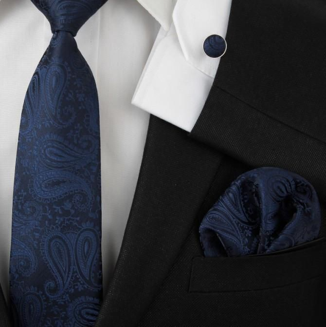 Pocket Square - Beige based paisley with a blue whisper Notch GRtWOd