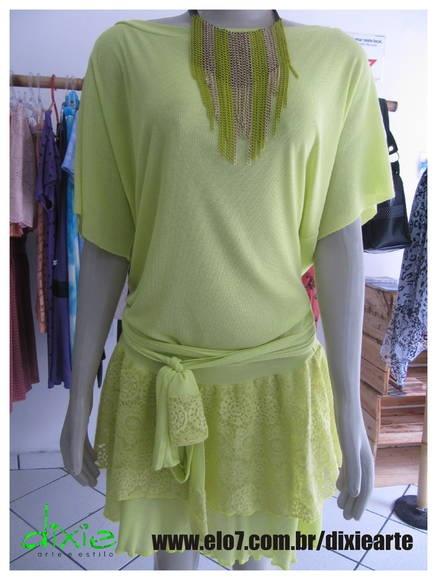 Vestido de Malha  Cor: Verde Neon Detalhes em Renda Tamanho único R$ 57,00