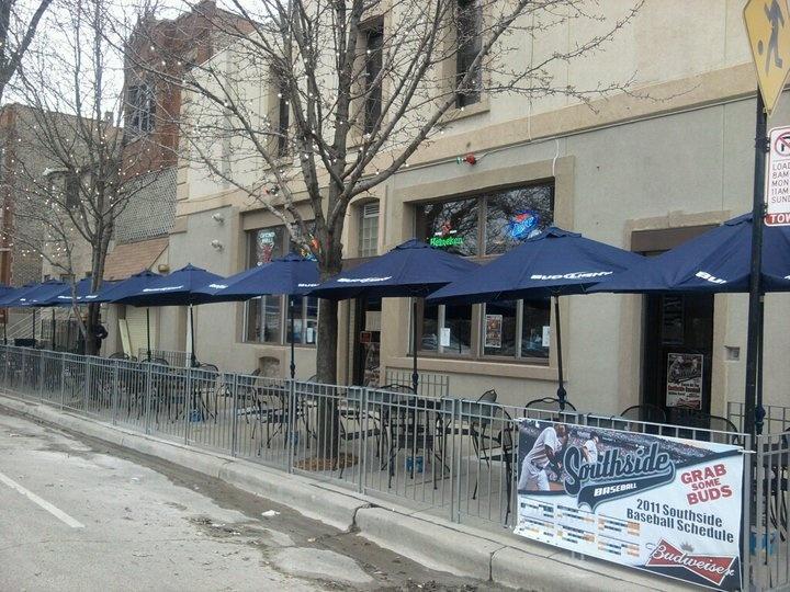 Turtles Bar & Grill | Bridgeport, Chicago
