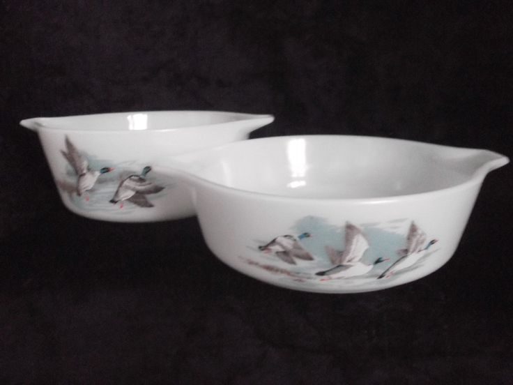 Vintage Pair Pyrex Casserole Wildfowl pattern.Vintage Pyrex cookware, 1960s Pyrex vintage serving. by MusesVintage on Etsy