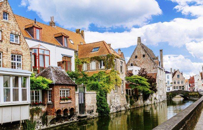 10 destinos internacionais para a sua viagem de lua de mel: Bruges