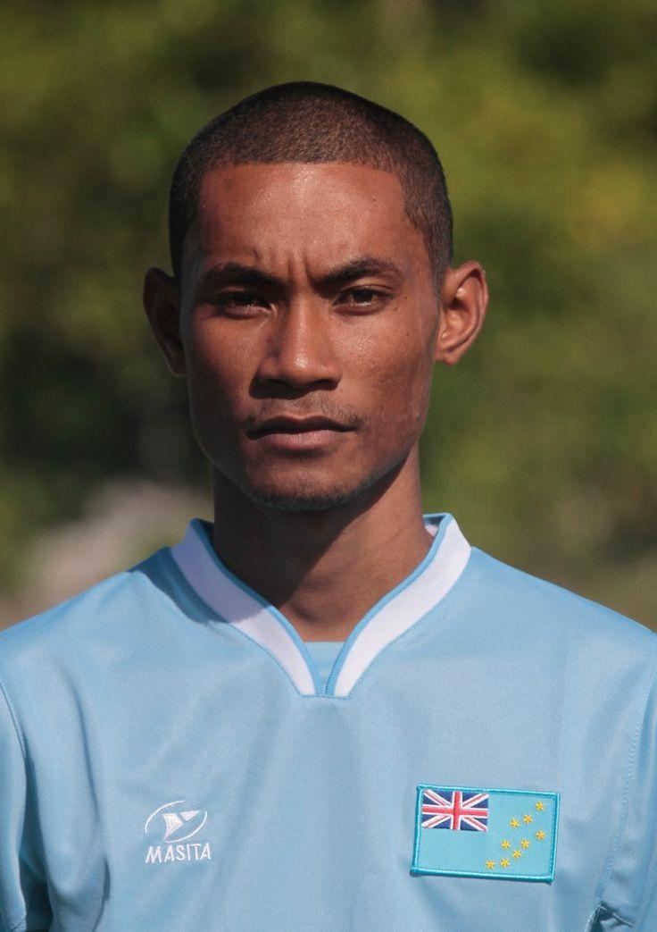 Etimoni Timuani is een Tuvaluaans voetballer die uitkomt voor Tofaga A.