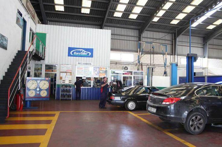 Nuestros servicios de taller multimarca en Alicante son los siguientes: - Mecánica general - Mantenimiento - Pre-Itv. - Frenos - ABS/ASR - Air bag - Análisis de gestión - Electricidad - Enganches de remolque - Montaje y homologación de muebles en vehículos industriales. - Colocación y homologación de accesorios para toda clase de vehículos.