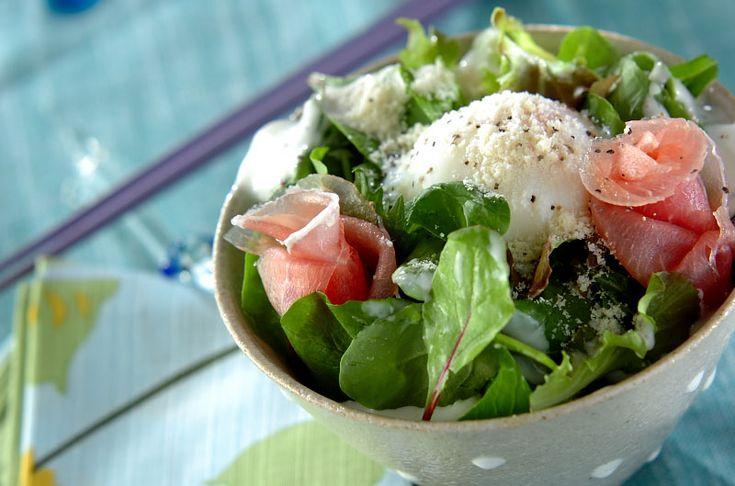 パスタの定番カルボナーラをお手軽丼に。のせるだけの簡単レシピ。サラダ感覚でどうぞ!