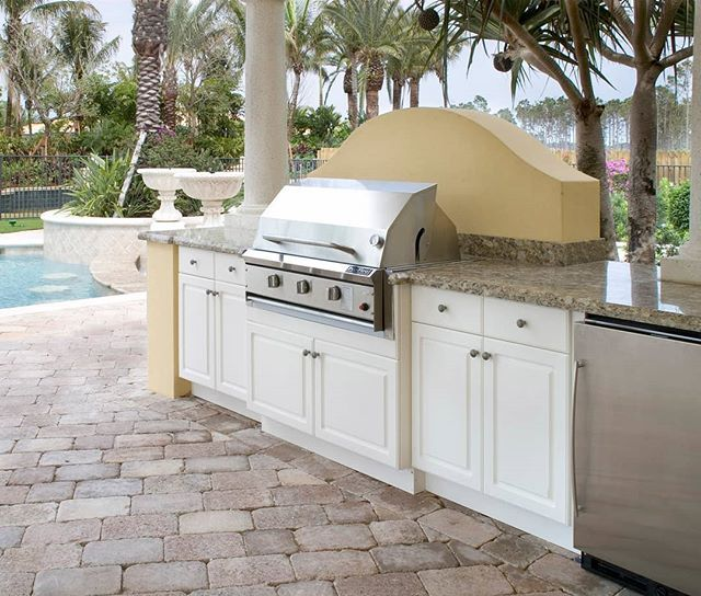 Wouldn T You Like To Be Grilling Here This Holiday Weekend Kingplastic Durastyle Custom Outdoor Kitchen Cabinets Outdoor Kitchen Countertops Outdoor Kitchen