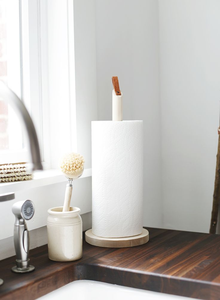 Since the kitchen renovation we had been in the habit of throwing our roll of paper towels haphazardly into our pantry most times after we use it because we couldn't decide where to put a pap…
