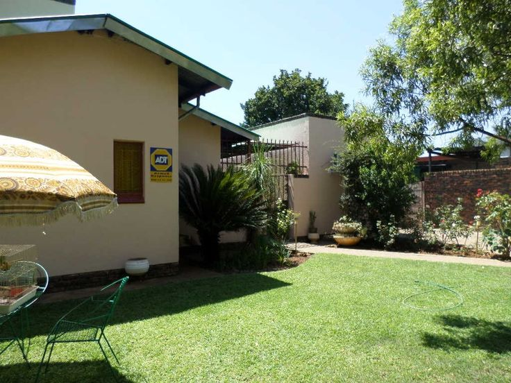 4 Bedroom House in Pretoria North photo number 1