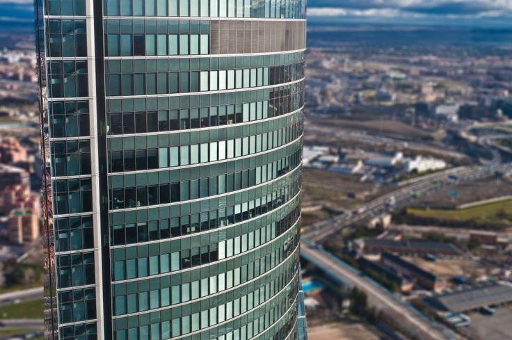 Torre Espacio desde Torre de Cristal de Mutua Madrileña. Foto: Antonio Rojo
