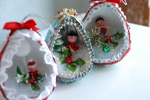 Christmas paper mache eggs weihnachten pinterest for Paper mache christmas
