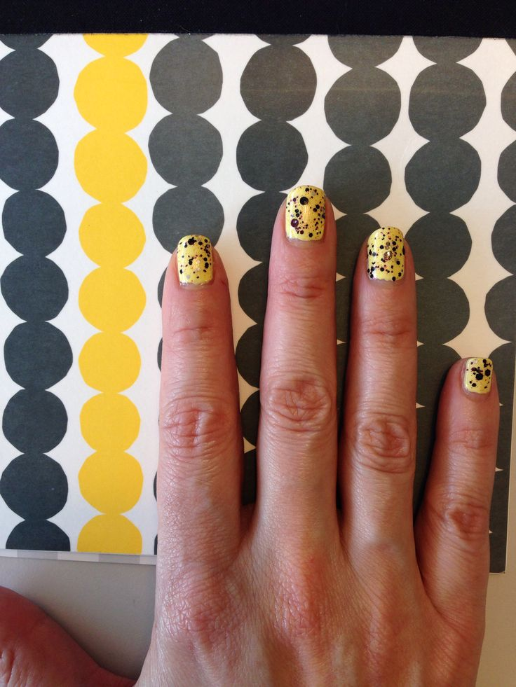 Marimekko mani with Elevation Polish Mount Ventoux and Quartz Monzonite