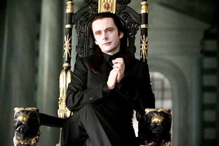 I never thought that I would be freaked out by Michael Sheen.... but he was... creepy....