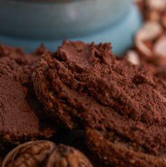 Lækker raw chokoladesmør! En rigtig god og sund erstatning for nutella. Tror jeg vil tilføje lidt kokosolie eller kakaosmør næste gang