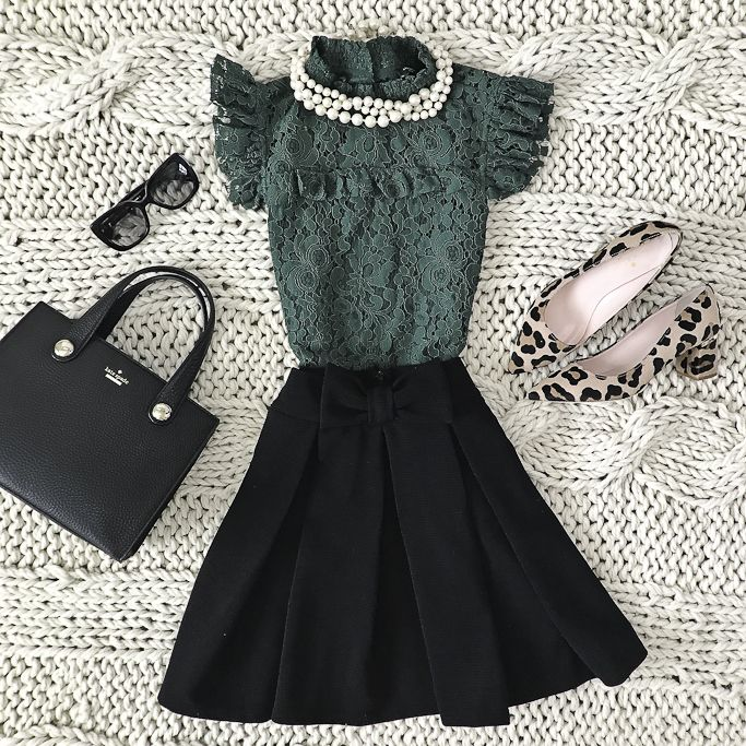 green lace mock neck top bow skirt leopard pumps faux pearl necklace