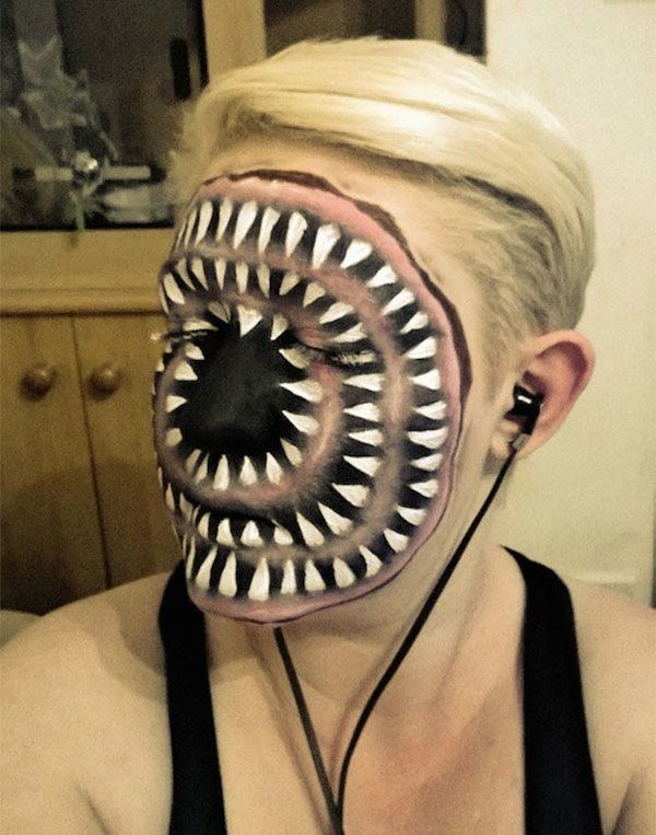 24 Of The Most Creative And Scary Halloween Makeup Ideas (Photos)