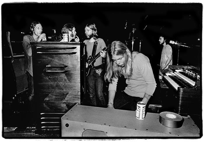 Duane and Gregg Allman, backstage at Fillmore East, 1971