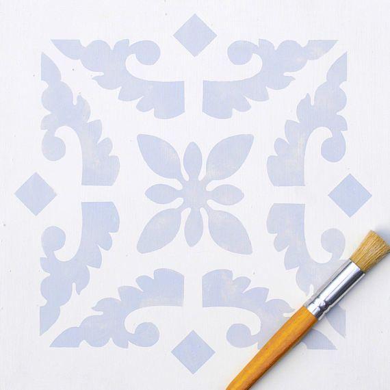 Ce gabarit inspiré grand carreau est parfait pour les planchers. L'utiliser sur le plancher nu ou peint, planchers, tuiles et ciment laminés. Il fonctionne aussi très joliment sur tissu et les murs. Le seul carreau est en répétition, simplement aligner les bords. Protéger les planchers peints au pochoir avec un couple de couches de vernis.  Dimensions de la conception de répétition 30,5 x 30.5cms  Fabriqué à partir de qualité supérieure 190 microns Mylar