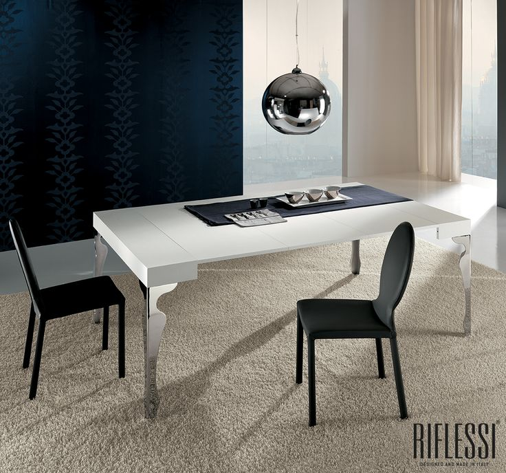 Elegance is an attitude. Luxury extensible consolle.