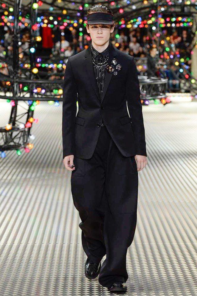 Dior Homme Spring 2017 Menswear Fashion Show