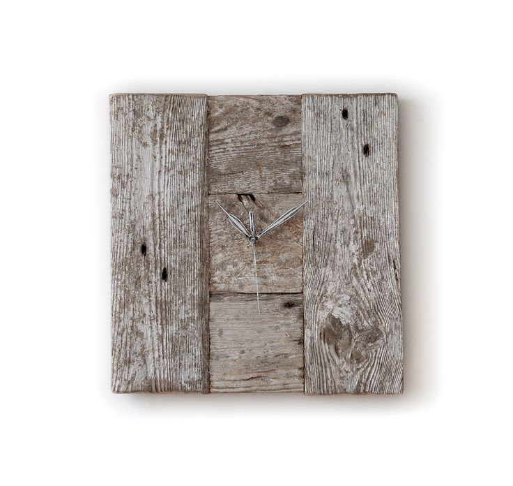 Model no 6. Aged wood is a beautiful way to add character to your home or garden. Developped naturally. Pine wood. Size: 35 cm x 35 cm.