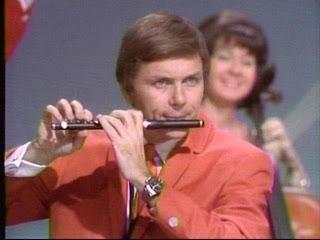 My saxophone teacher on the Lawrence Welk Show circa 1968 http://ift.tt/2h88GqT