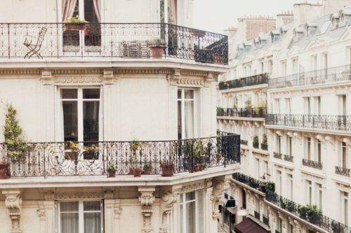 Paris... Paris... c'est incroyable!
