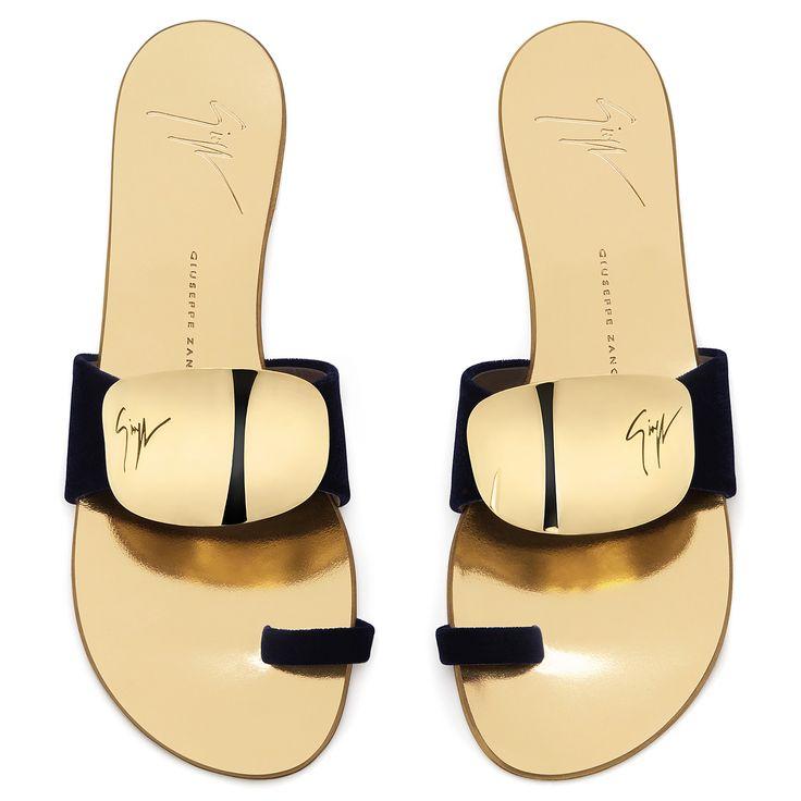 Giuseppe Zanotti Flats - CADENCE - Women's Black Sandals