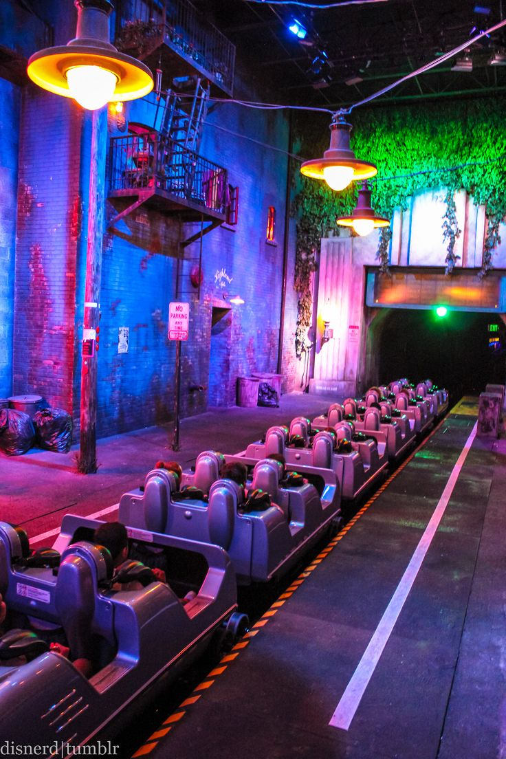 Rock N' Roller Coaster, Walt Disney World best ride you will love it this ride goes upsidedown 2 times