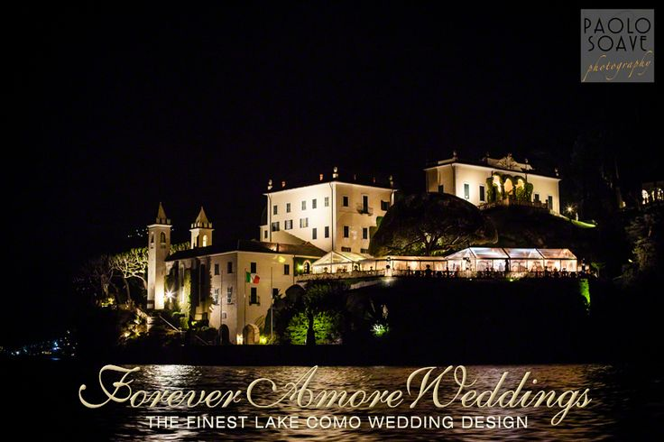 Night lake view of Villa del Balbianello with crystal marquees for dinner and dancings. Picture by Paolo Soave ©