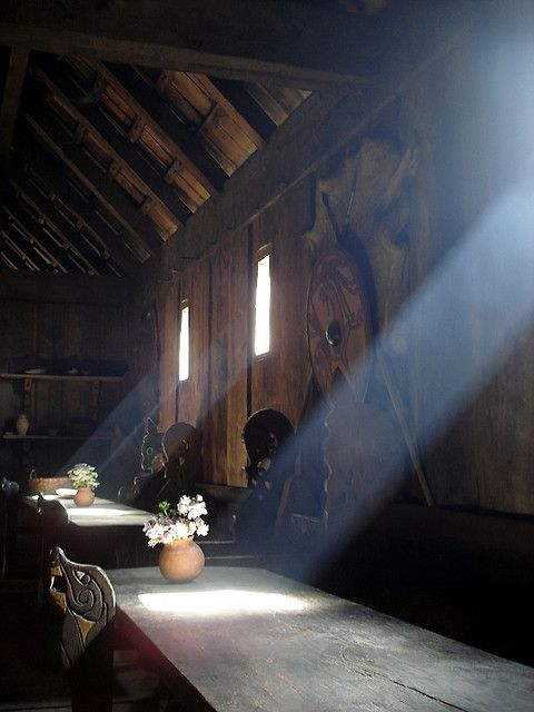 Viking longhouse in Ribe, Denmark. (Viking Blog elDrakkar.blogspot.com)