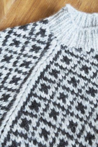 Færøsk Sweater Barn Garnkit - Englegarn -  Faero Isle Styled Sweater Children's Yarn Kit from Englegarn in Danmark