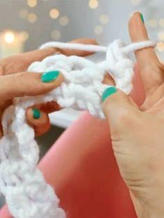 ber ideen zu fingerstricken auf pinterest finger h keln stricken und webstricken. Black Bedroom Furniture Sets. Home Design Ideas