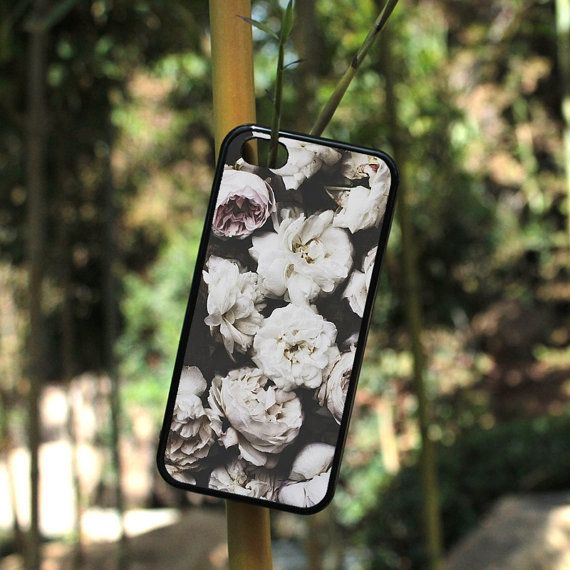 iPhone Case Cute Vintage Floral Hipster Art For iPhone 4, iPhone 5, or iPhone 5c in Plastic*, Rubber or Heavy Duty