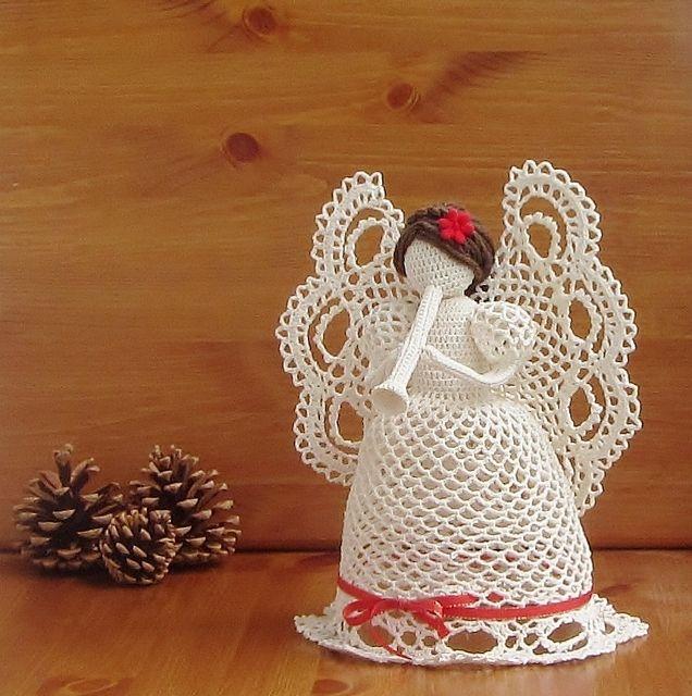 Andělka+s+trumpetkou+Háčkovaná+Andělka+s+trumpetkou,+je+veliká+cca+28+cm.+Je+uháčkovaná+z+bavlněnépříze+Sněhurka,+vlasy+jsou+z+příze+akrylové,+pro+větší+jemnost.+Krásná+dekorace+ne-jen+na+Vánoce,+dělá+radost+celý+rok.+Andělku,+Vám+mohu+udělat+s+trumpetkou,+miminkem+nebo+s+košíčkem+kytek.+Andělka+s+trumpetkou+-+vytrubuje+rodinné+štěstí.+Andělka+s+miminkem...